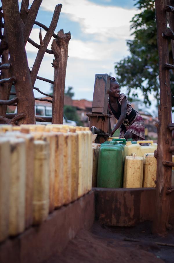 Att tillgodose hushållsbehovet av vatten tar ofantliga mängder tid för många ugandier